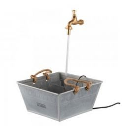 Tap fountain in square galvanised basin